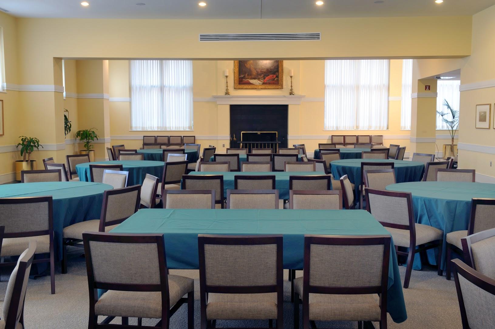 4217 – Dining Room – Dinner Config